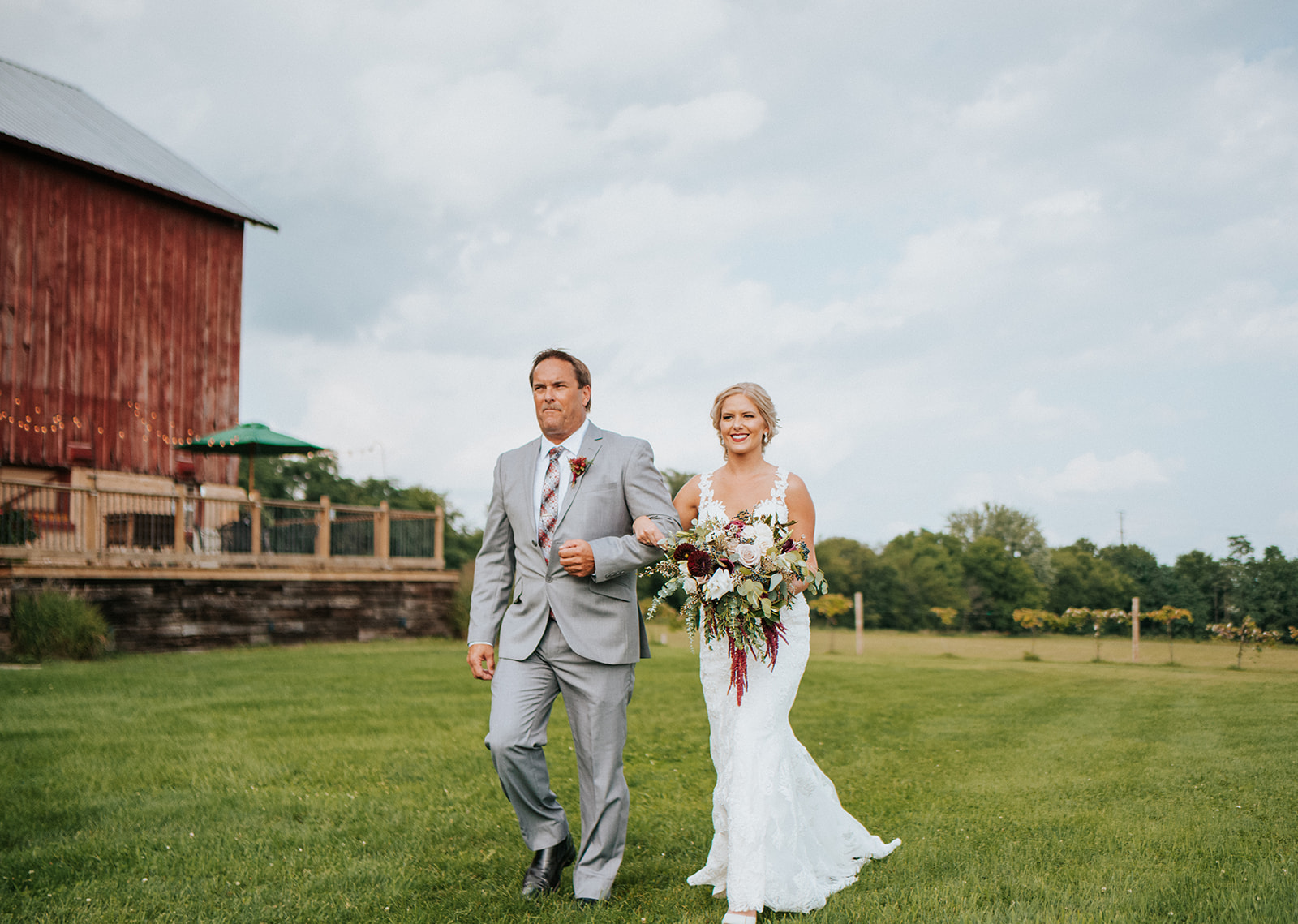 overthevineswisconsinwedding_0608.jpg