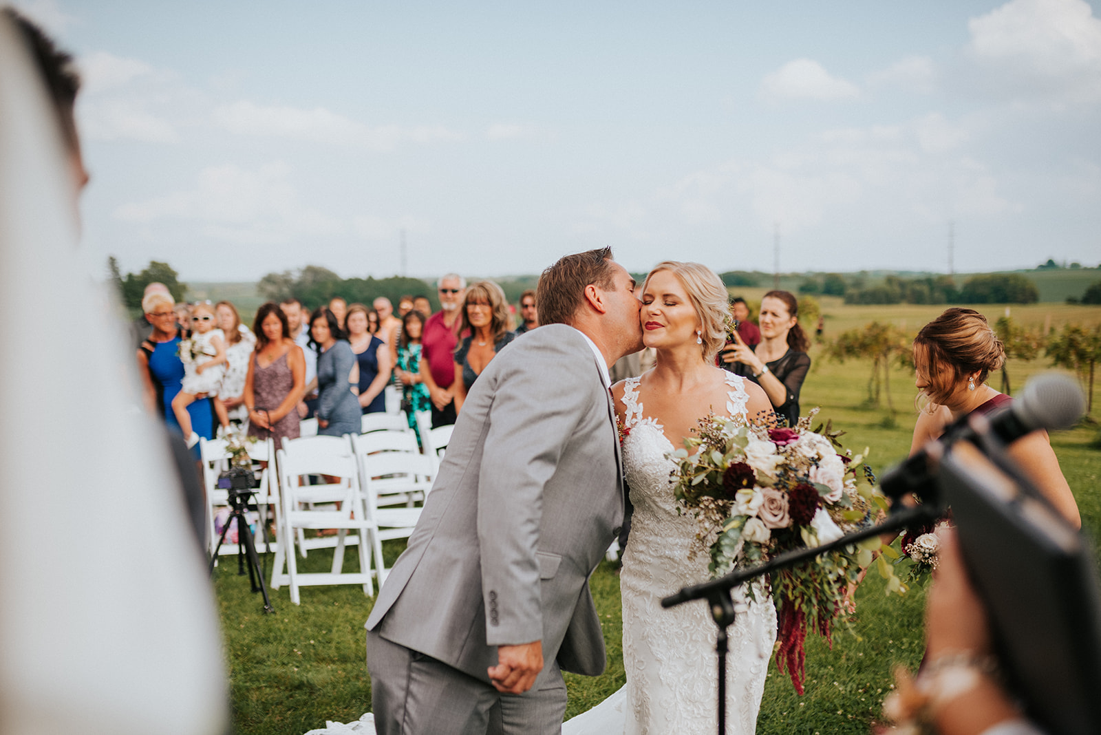 overthevineswisconsinwedding_0622.jpg