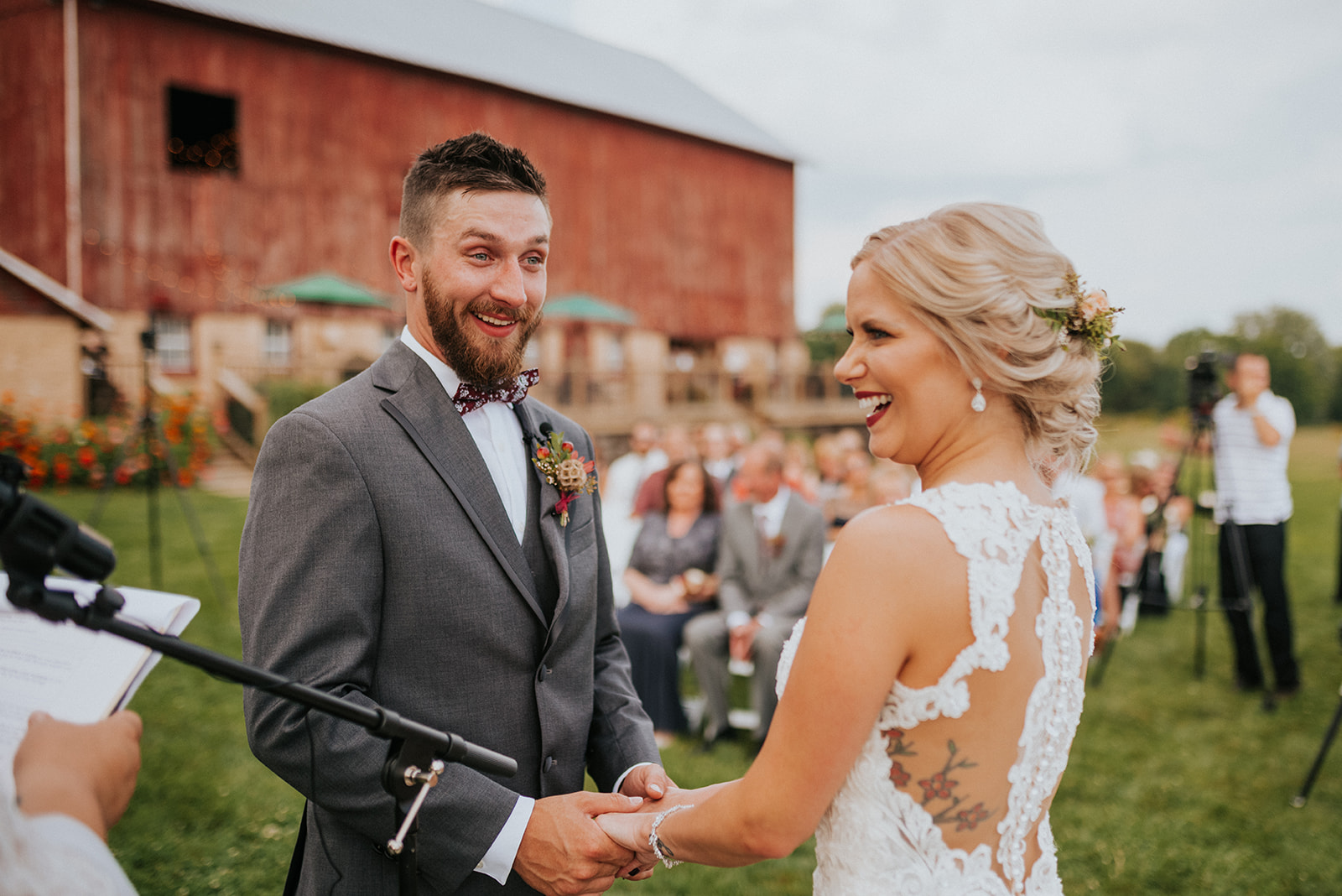 overthevineswisconsinwedding_0672.jpg