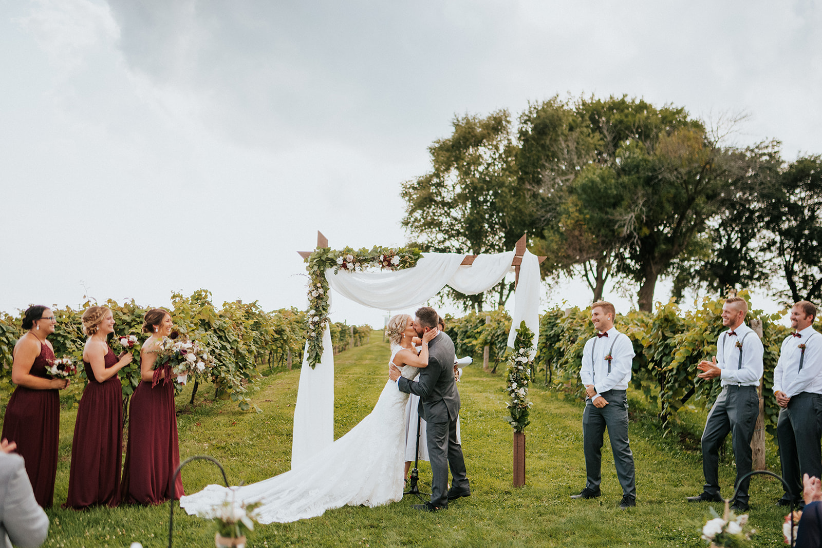 overthevineswisconsinwedding_0682.jpg