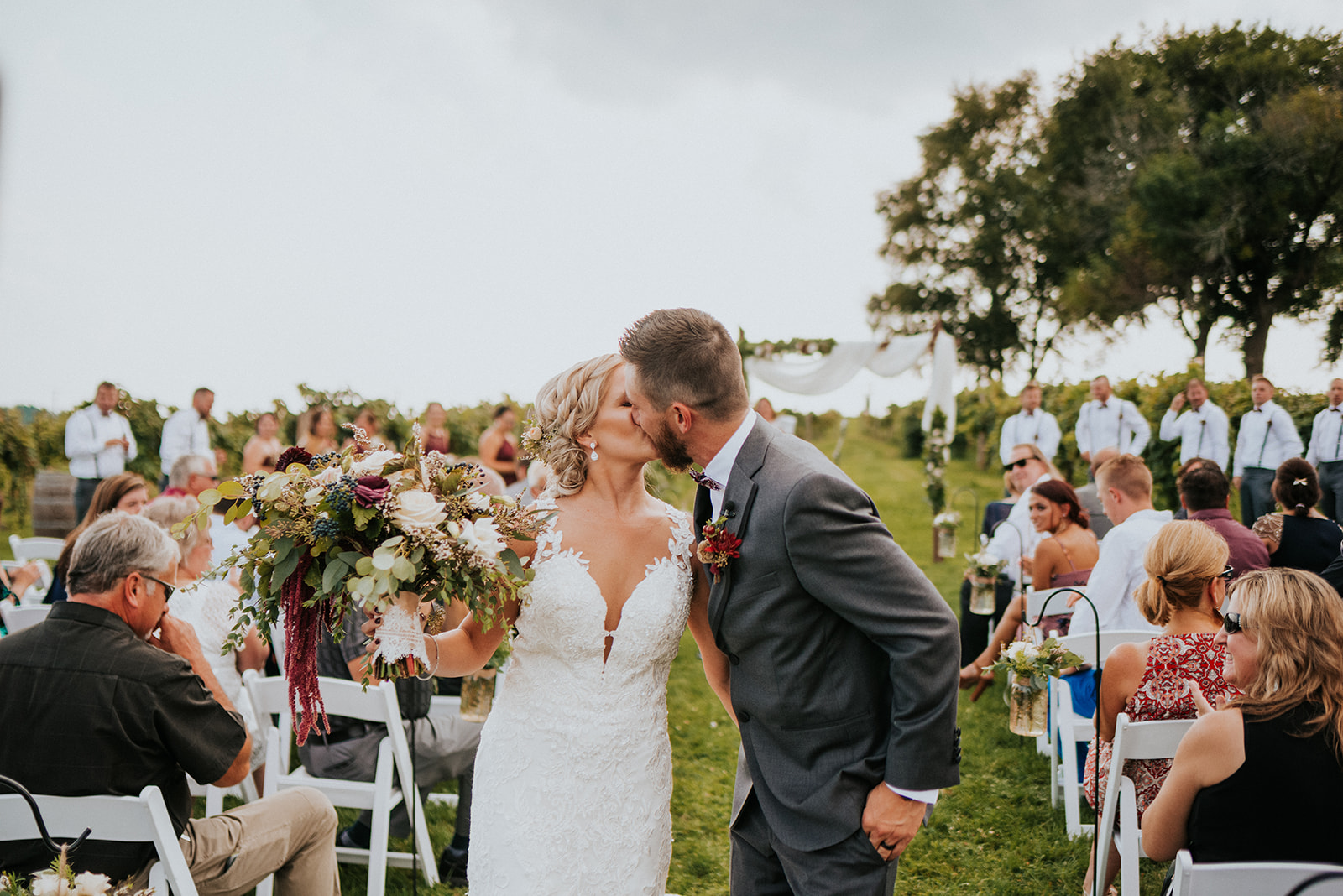 overthevineswisconsinwedding_0695.jpg