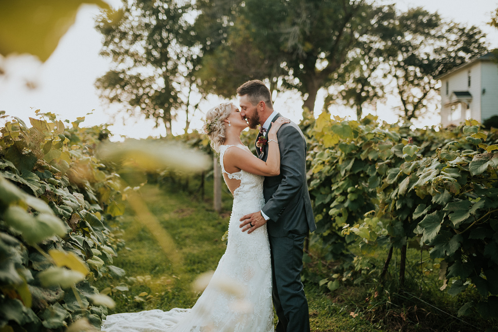 overthevineswisconsinwedding_0889.jpg