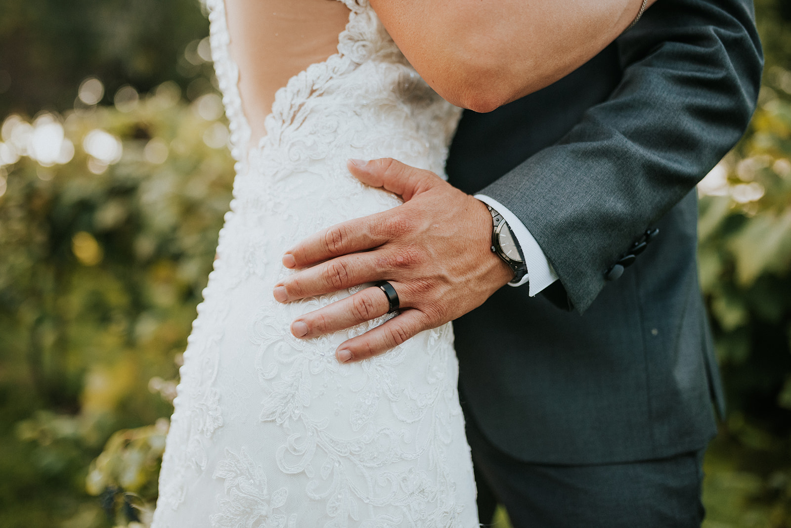 overthevineswisconsinwedding_0897.jpg