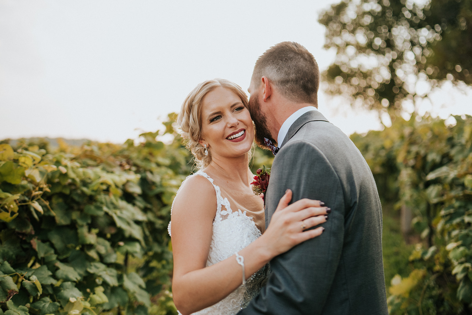 overthevineswisconsinwedding_0898.jpg