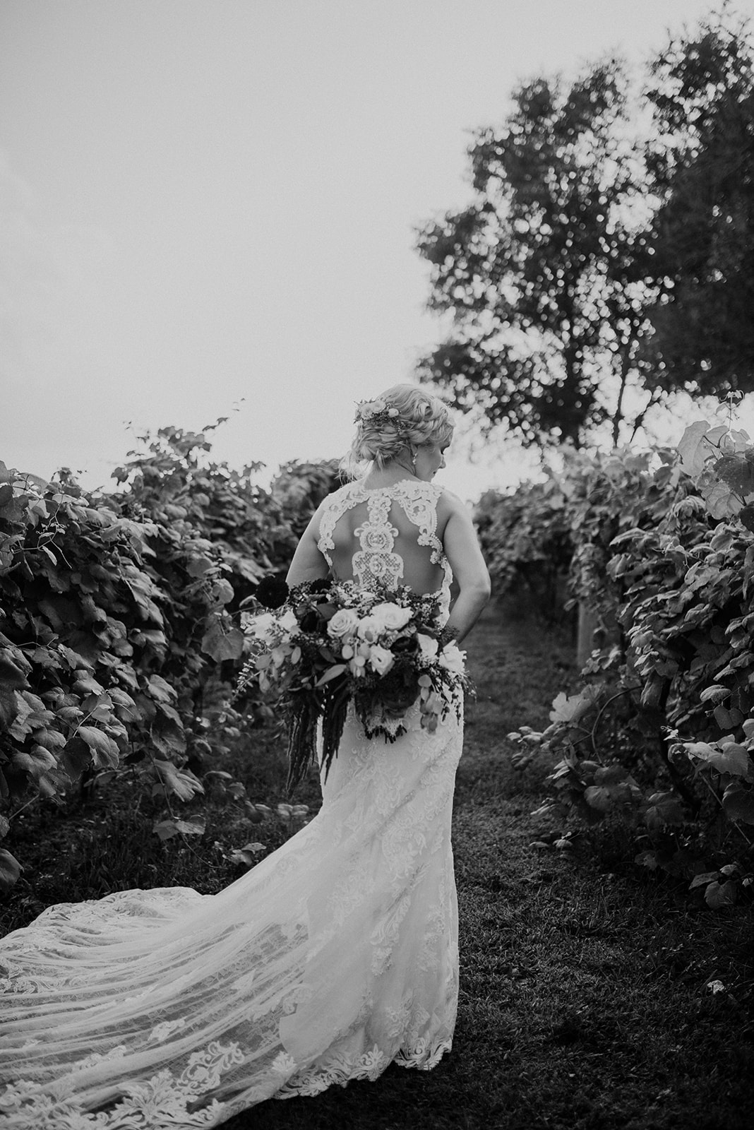 overthevineswisconsinwedding_0917.jpg