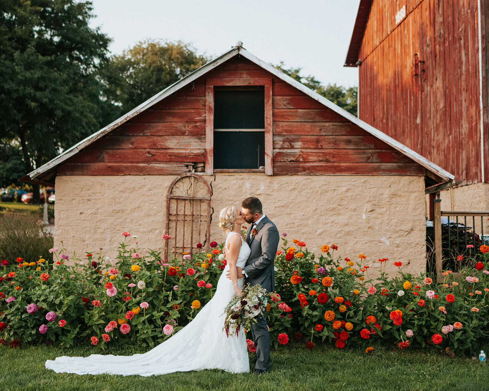 overthevineswisconsinwedding_0997.jpg