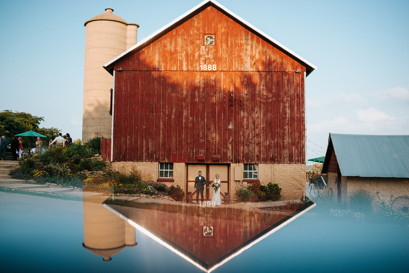 overthevineswisconsinwedding_1006.jpg