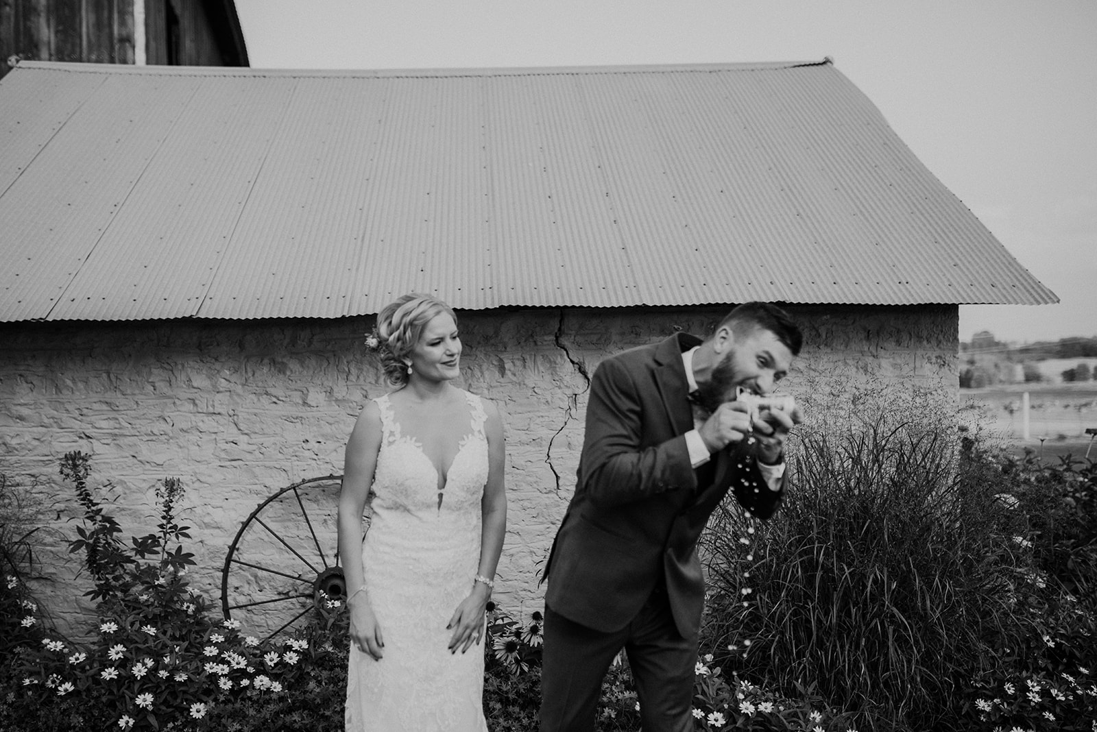 overthevineswisconsinwedding_1014.jpg