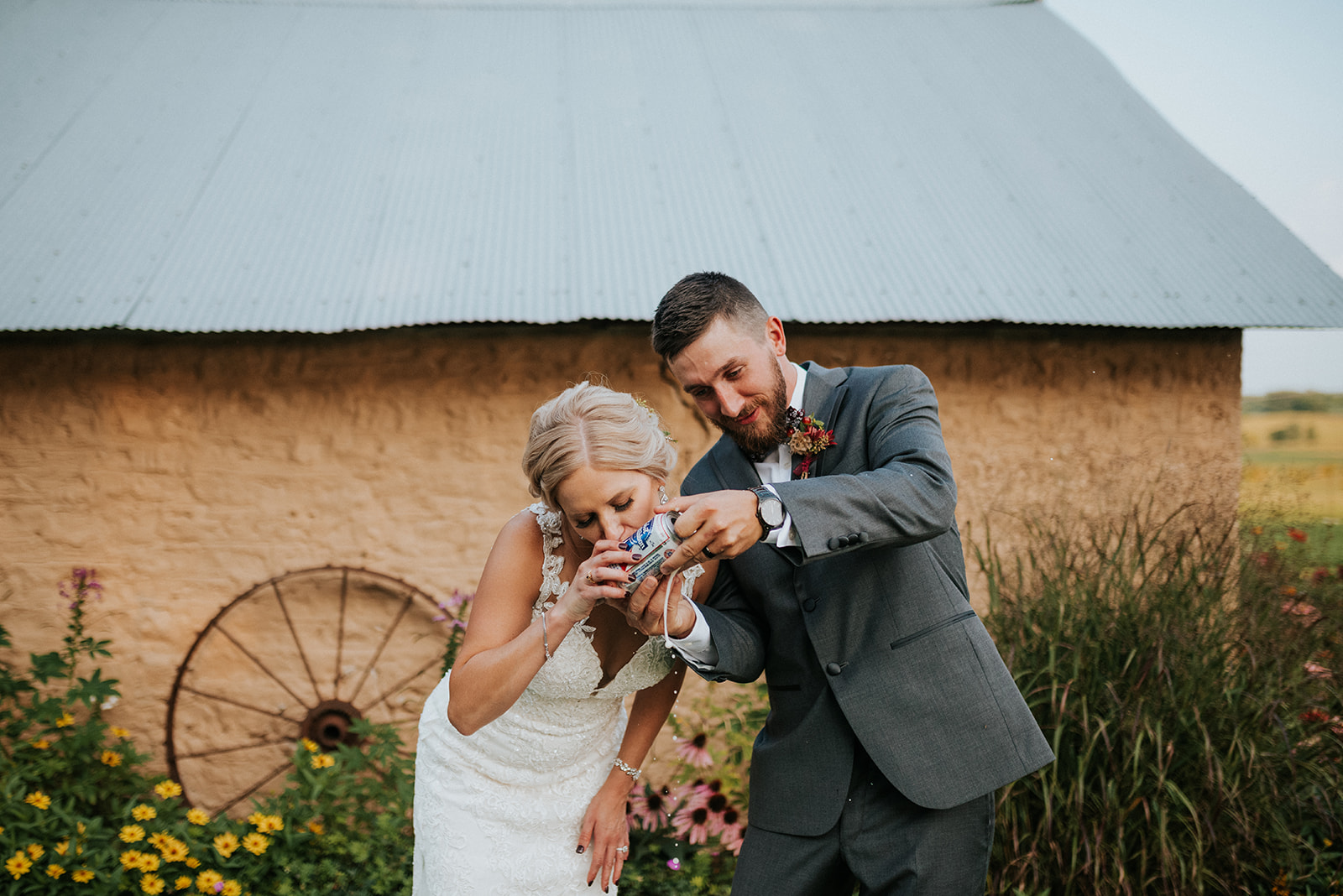overthevineswisconsinwedding_1016.jpg