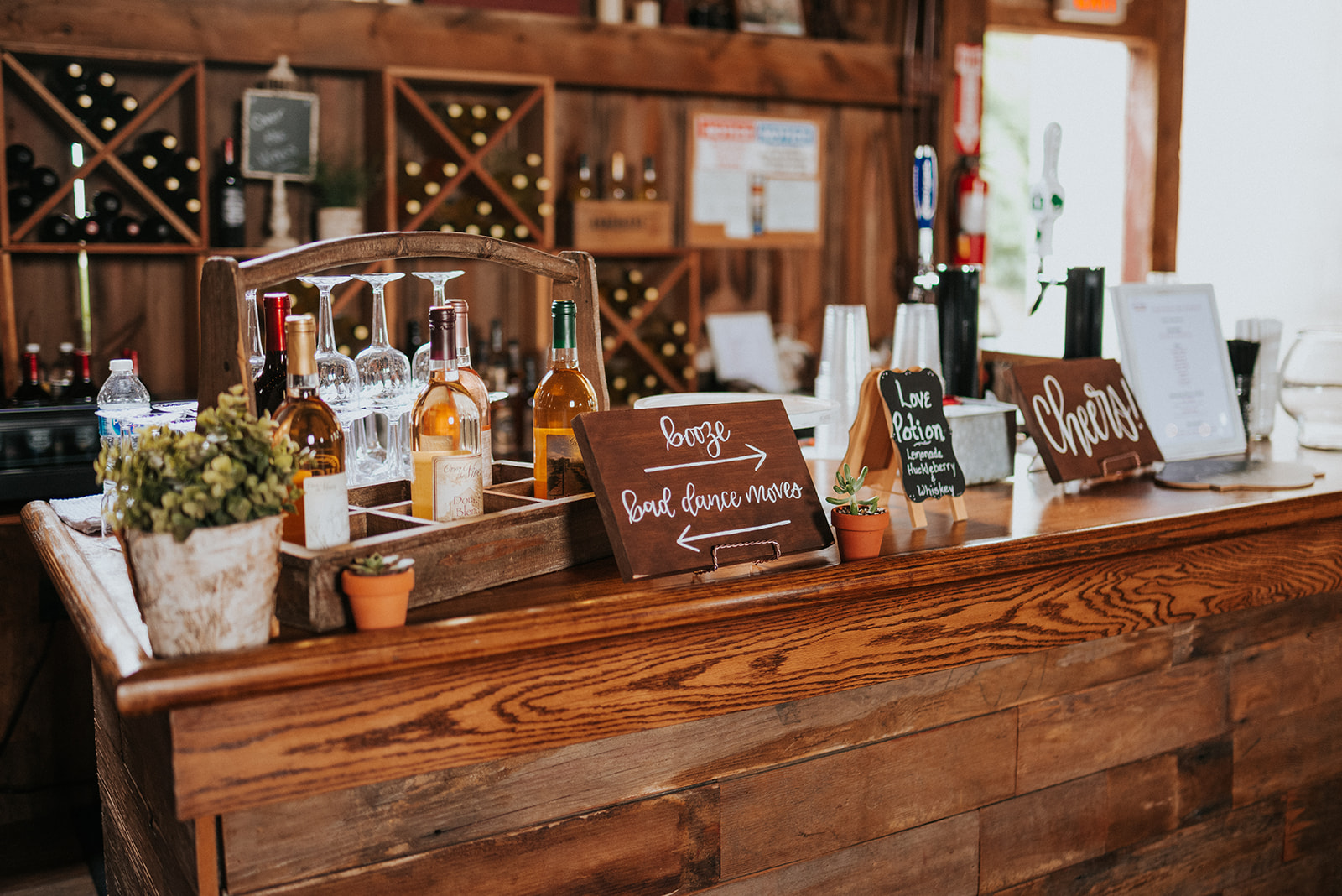 overthevineswisconsinwedding_1037.jpg