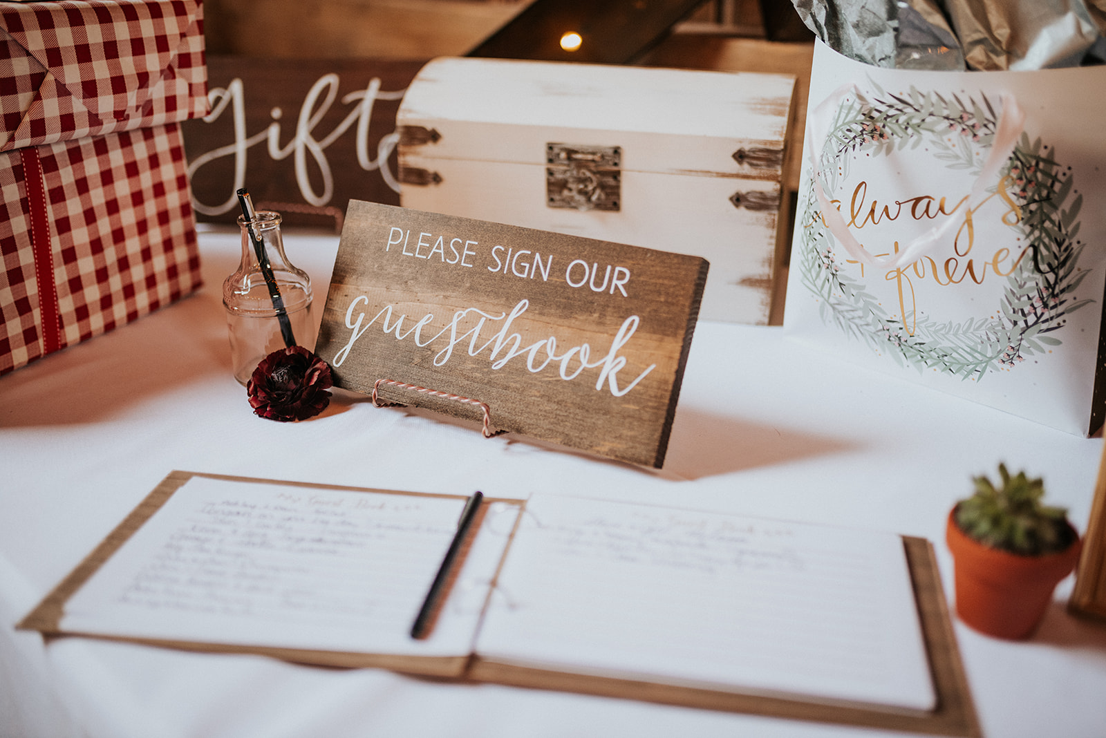 overthevineswisconsinwedding_1046.jpg