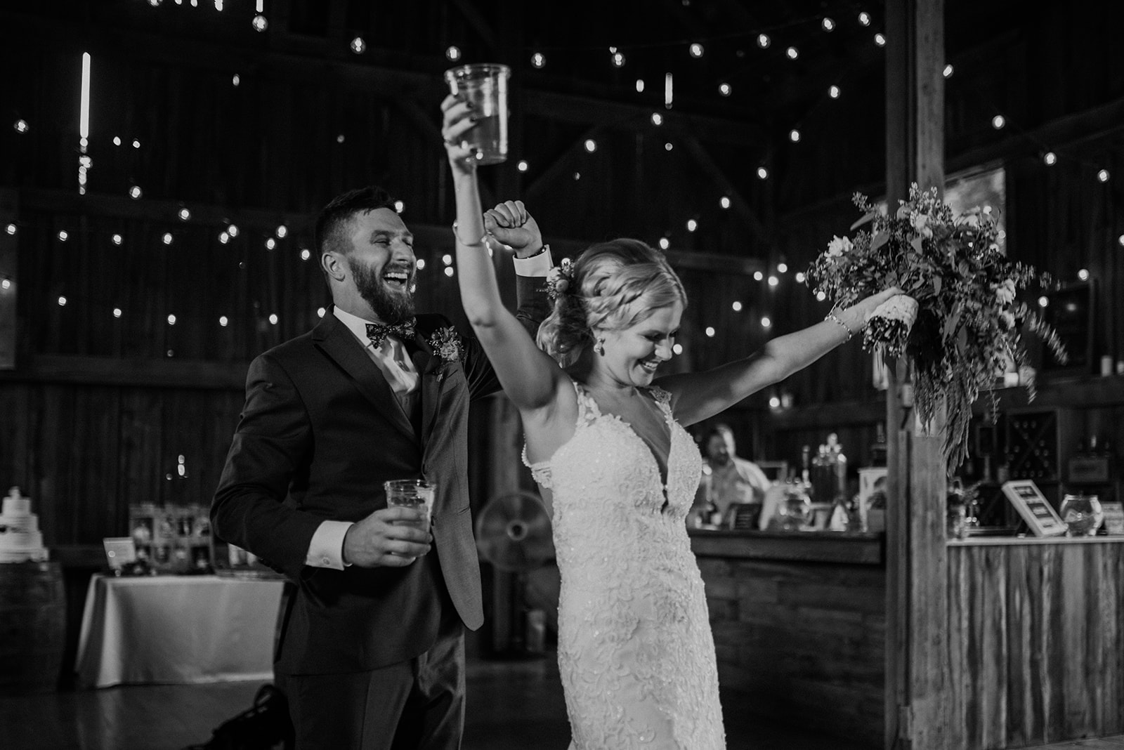 overthevineswisconsinwedding_1164.jpg
