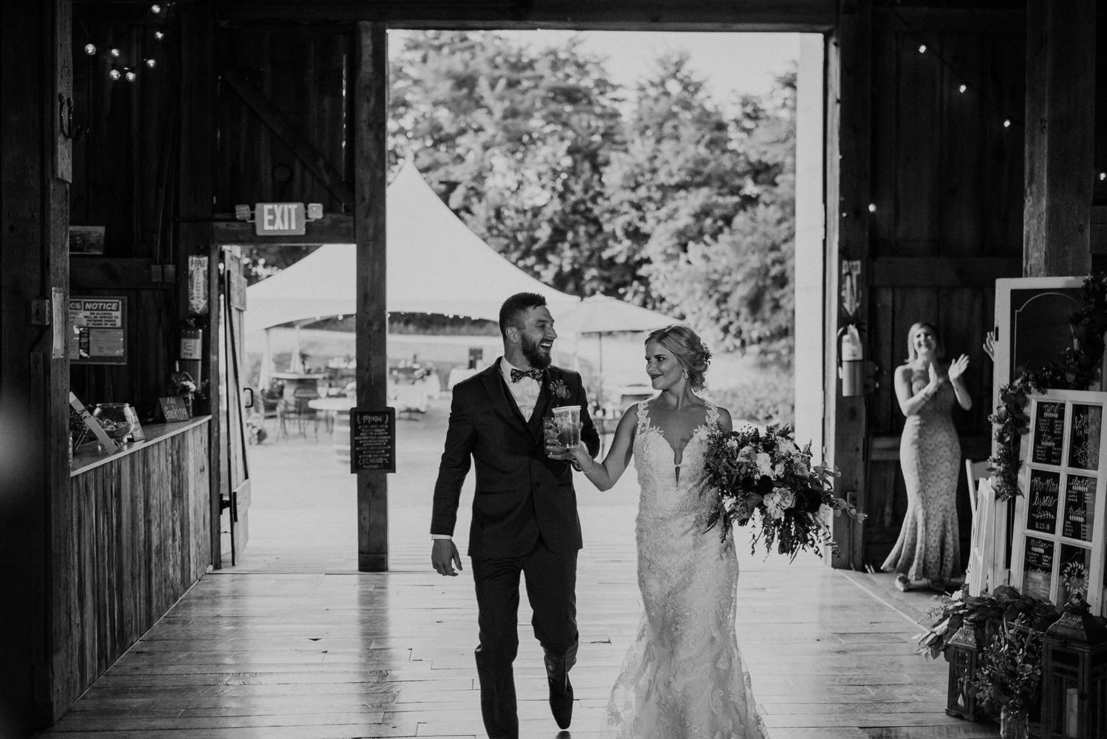 overthevineswisconsinwedding_1158.jpg