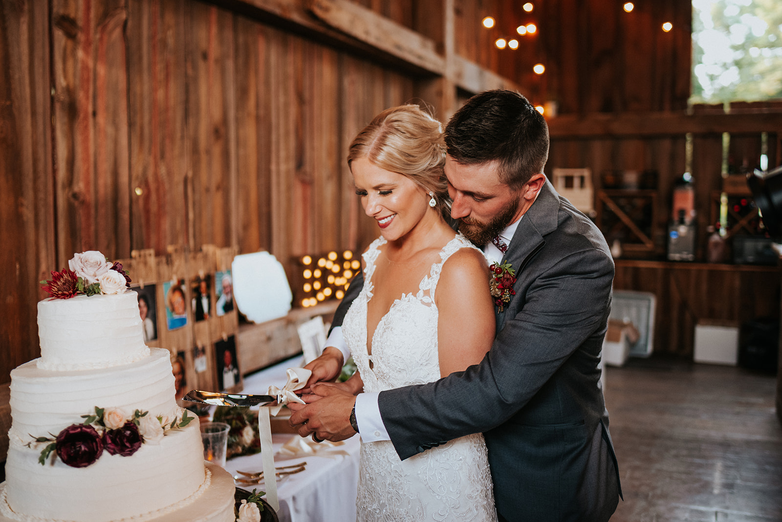 overthevineswisconsinwedding_1182.jpg