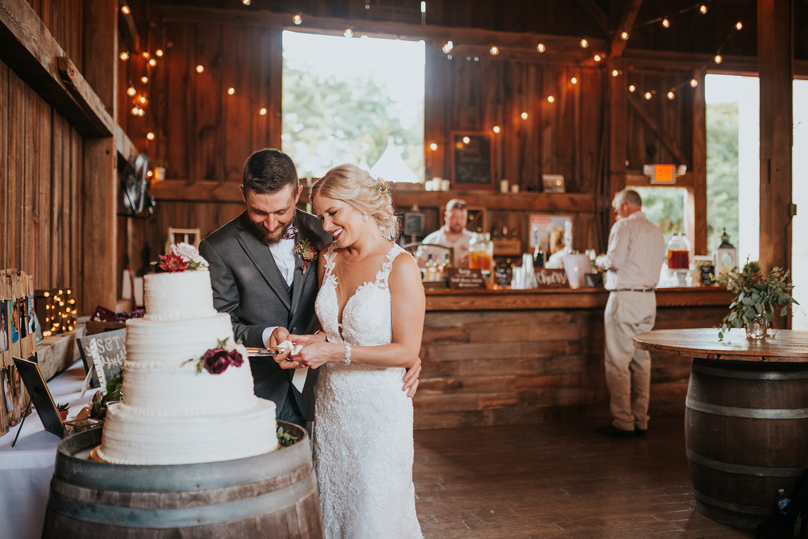 overthevineswisconsinwedding_1184.jpg