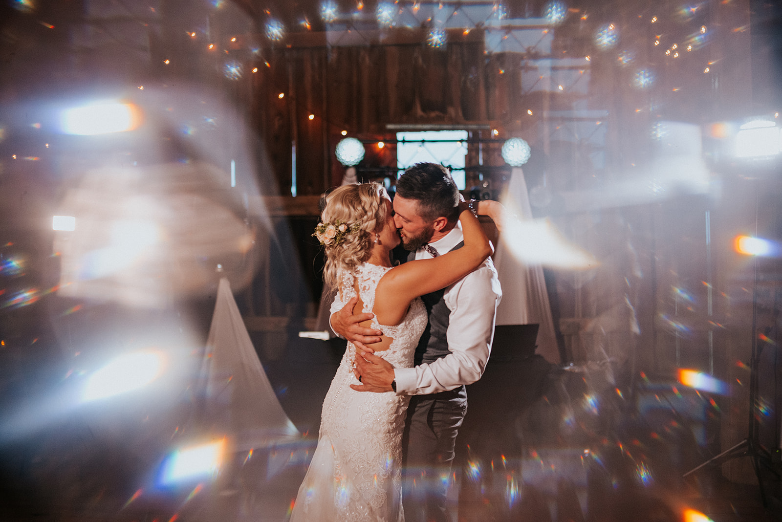 overthevineswisconsinwedding_1283.jpg