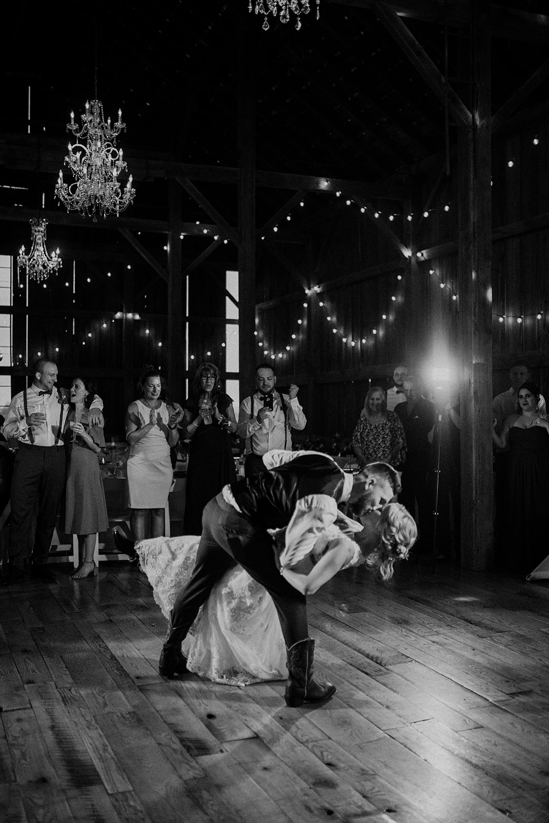 overthevineswisconsinwedding_1291.jpg