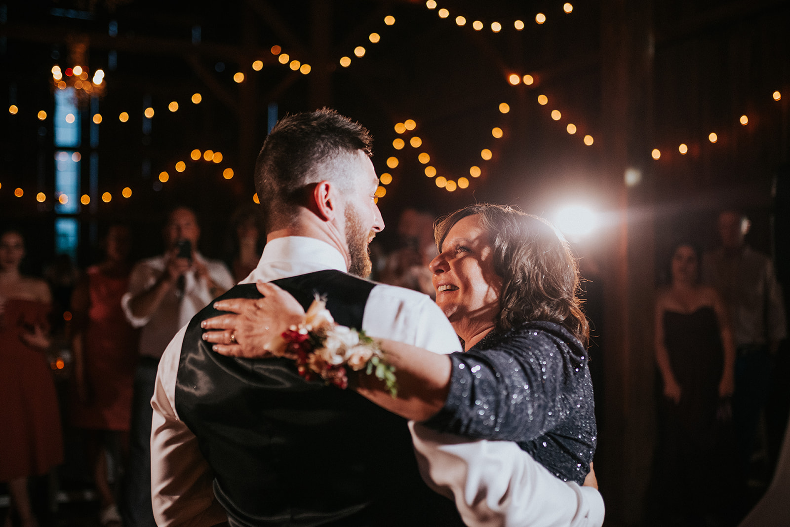 overthevineswisconsinwedding_1309.jpg