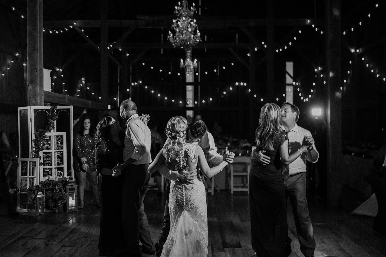 overthevineswisconsinwedding_1320.jpg