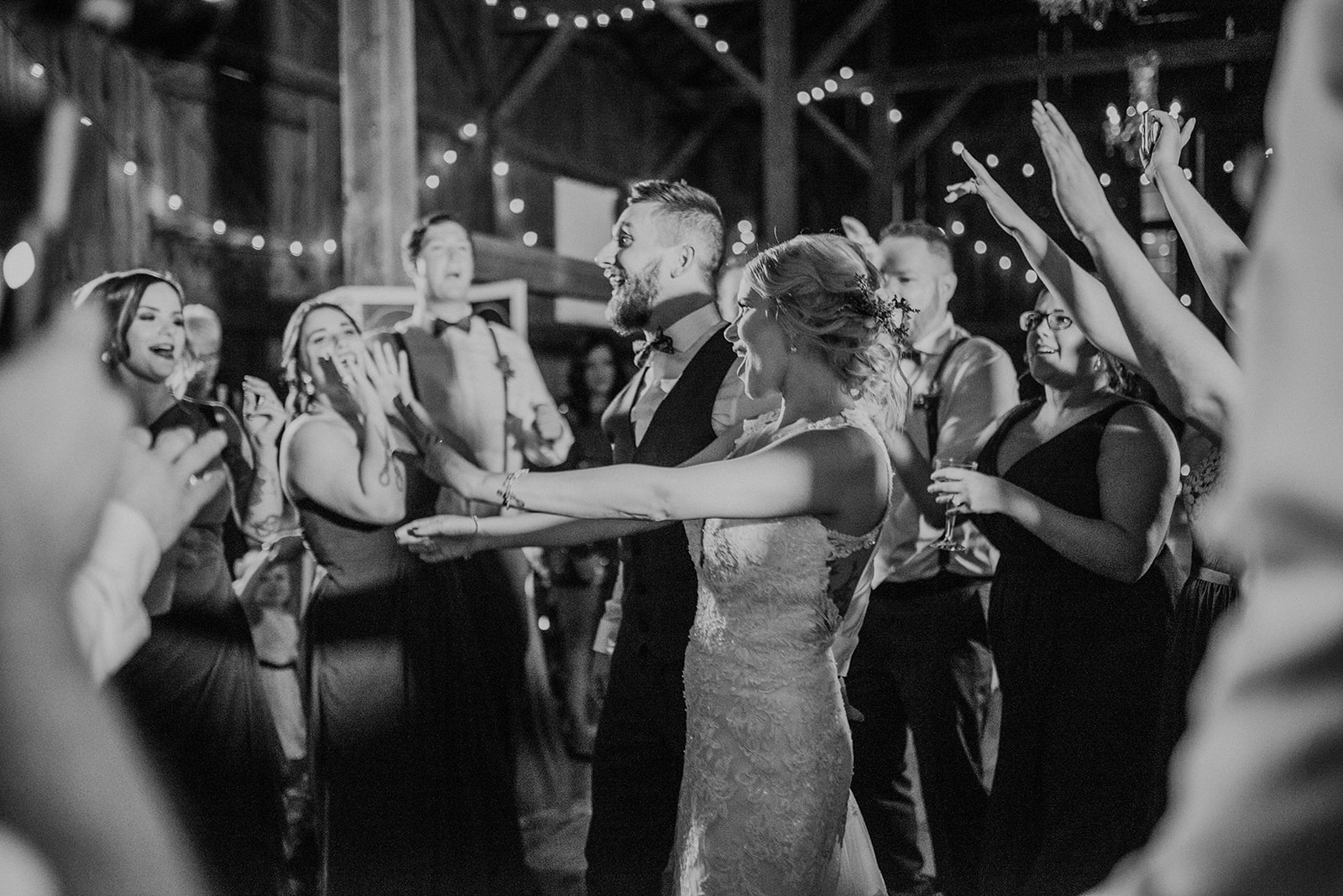 overthevineswisconsinwedding_1337.jpg