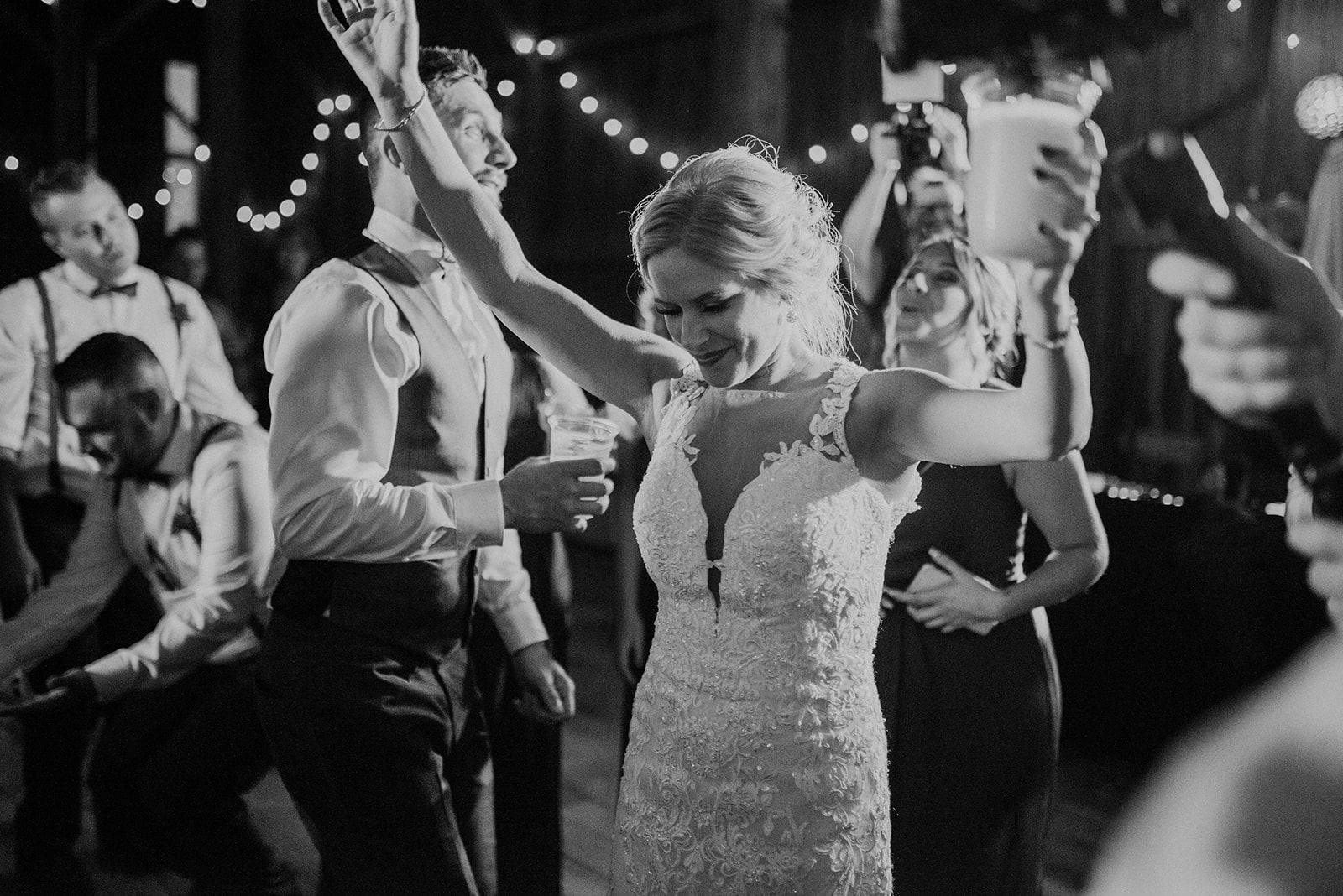 overthevineswisconsinwedding_1344.jpg