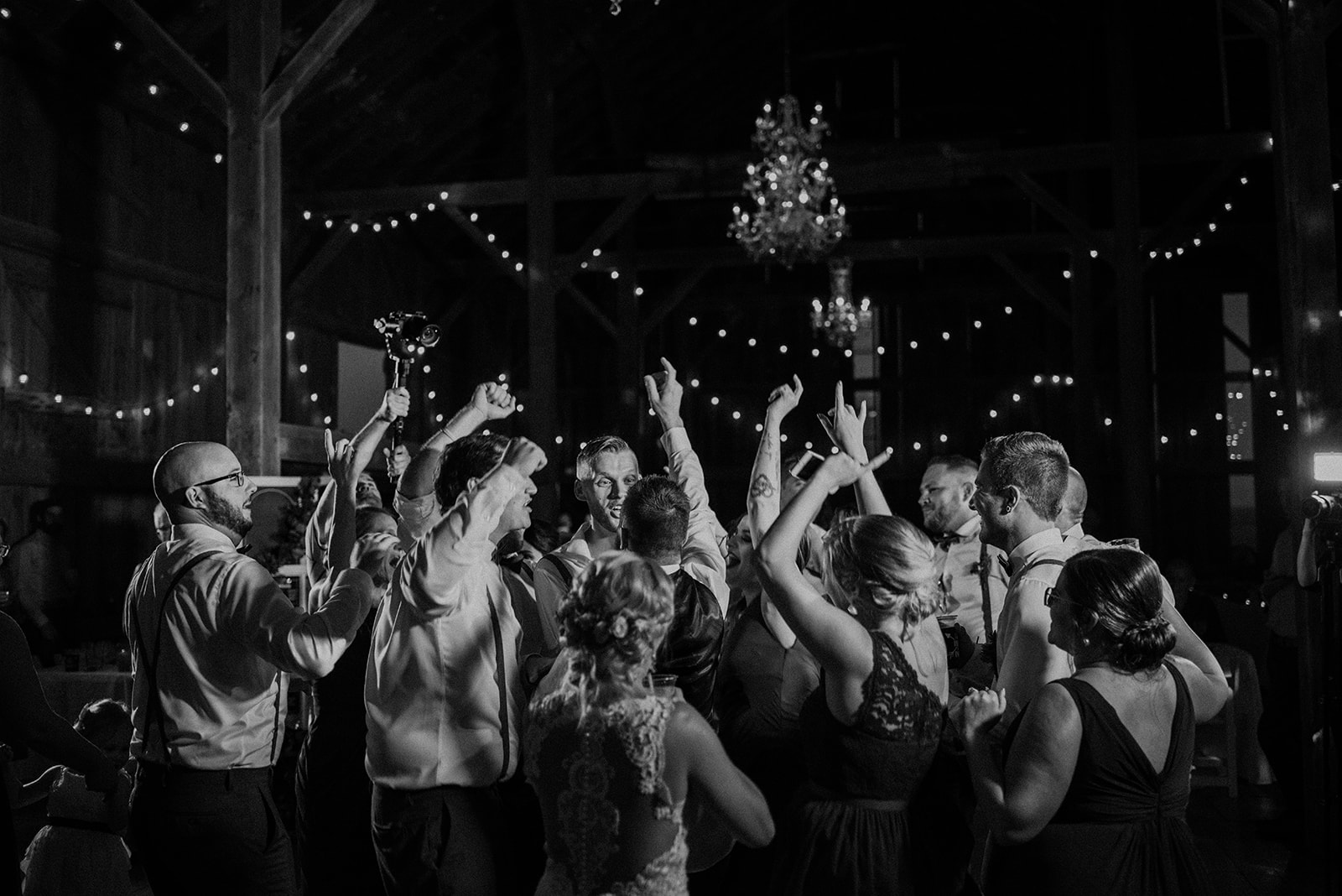 overthevineswisconsinwedding_1352.jpg