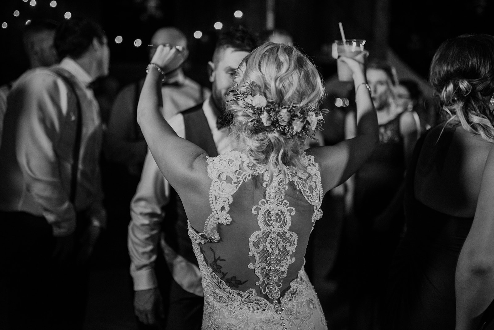 overthevineswisconsinwedding_1357.jpg