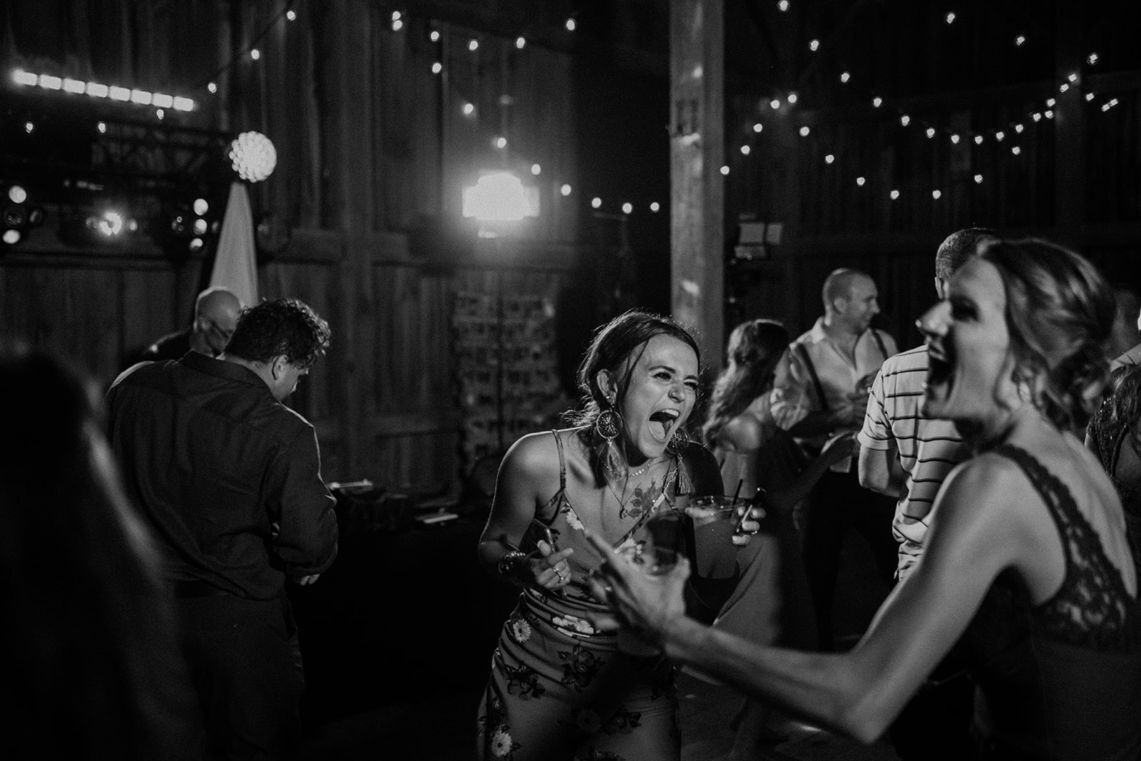 overthevineswisconsinwedding_1417.jpg