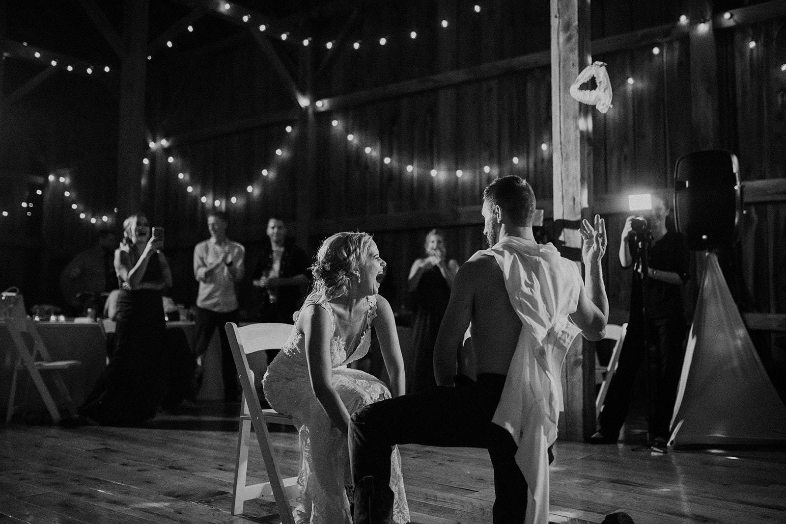 overthevineswisconsinwedding_1542.jpg