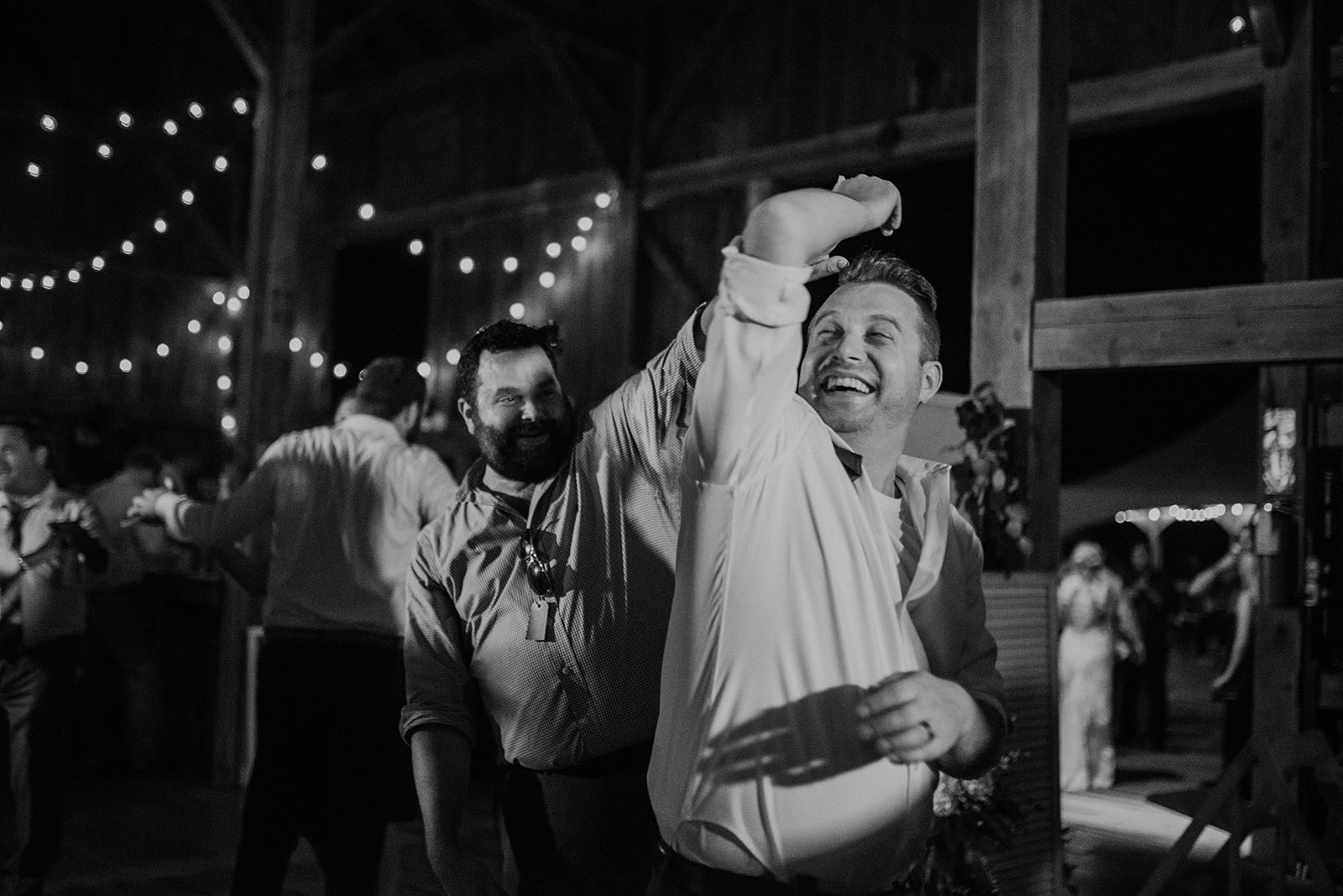 overthevineswisconsinwedding_1603.jpg