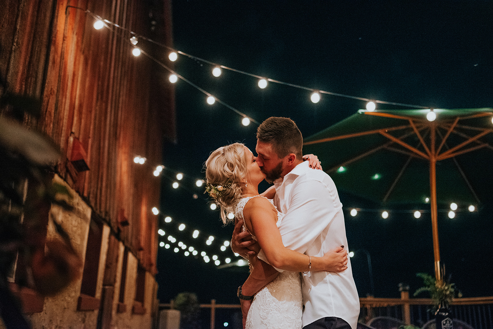 overthevineswisconsinwedding_1690.jpg