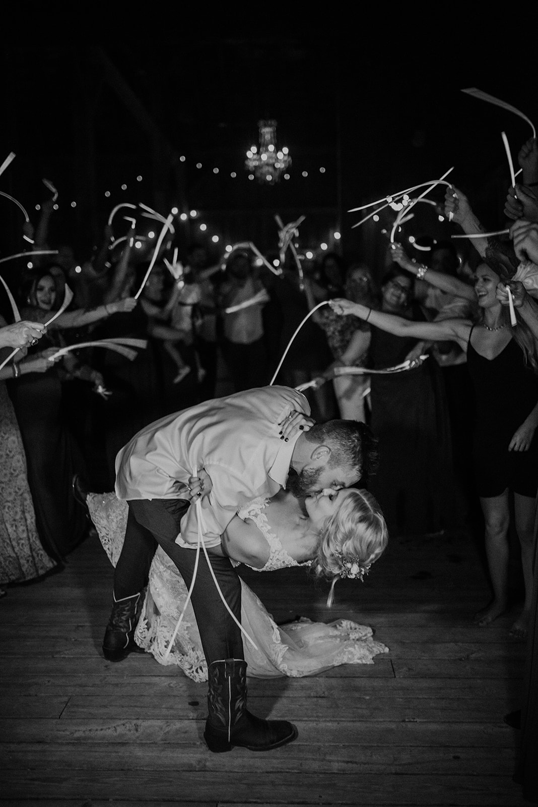 overthevineswisconsinwedding_1707.jpg