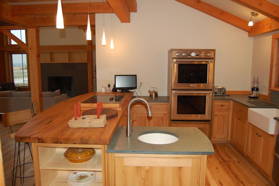 oak_kitchen_counter.jpg