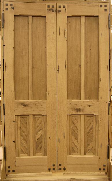 custom_curved_oak_doors.jpg
