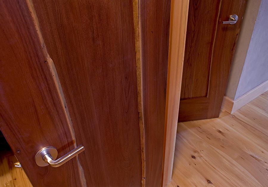 closet_door_sm.jpg