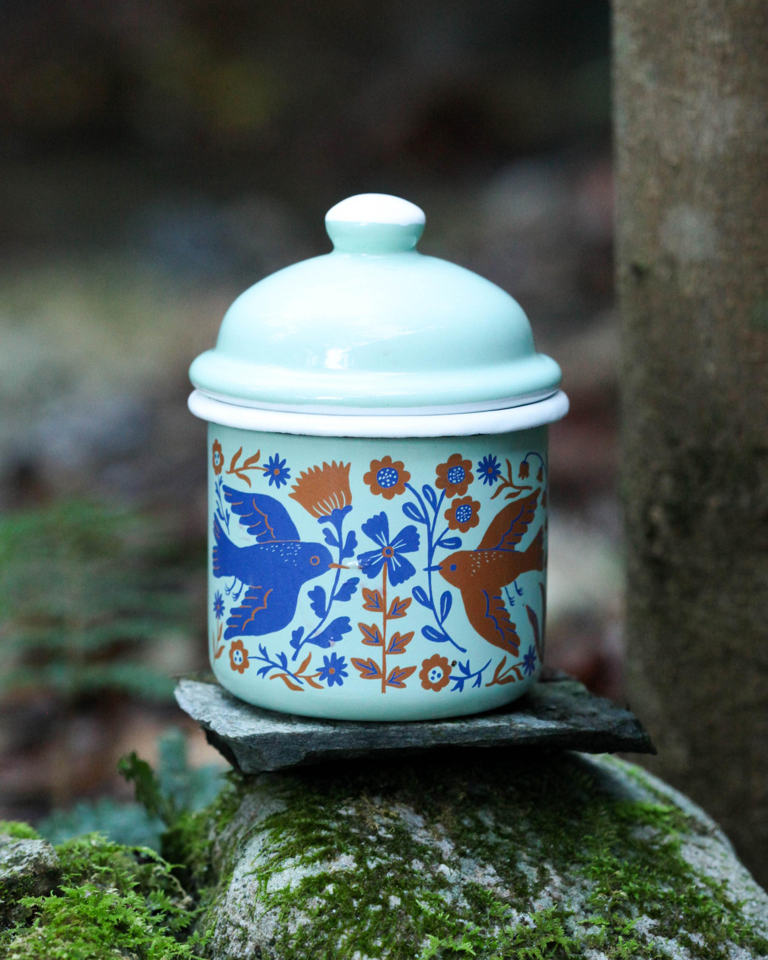 Birdie container