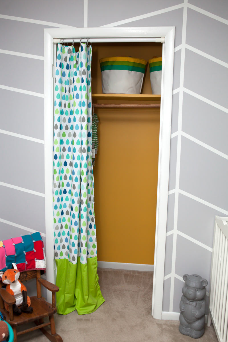 Raindrop curtain diy from Target shower curtain || by myonlysunshineblog #diy #nursery #target