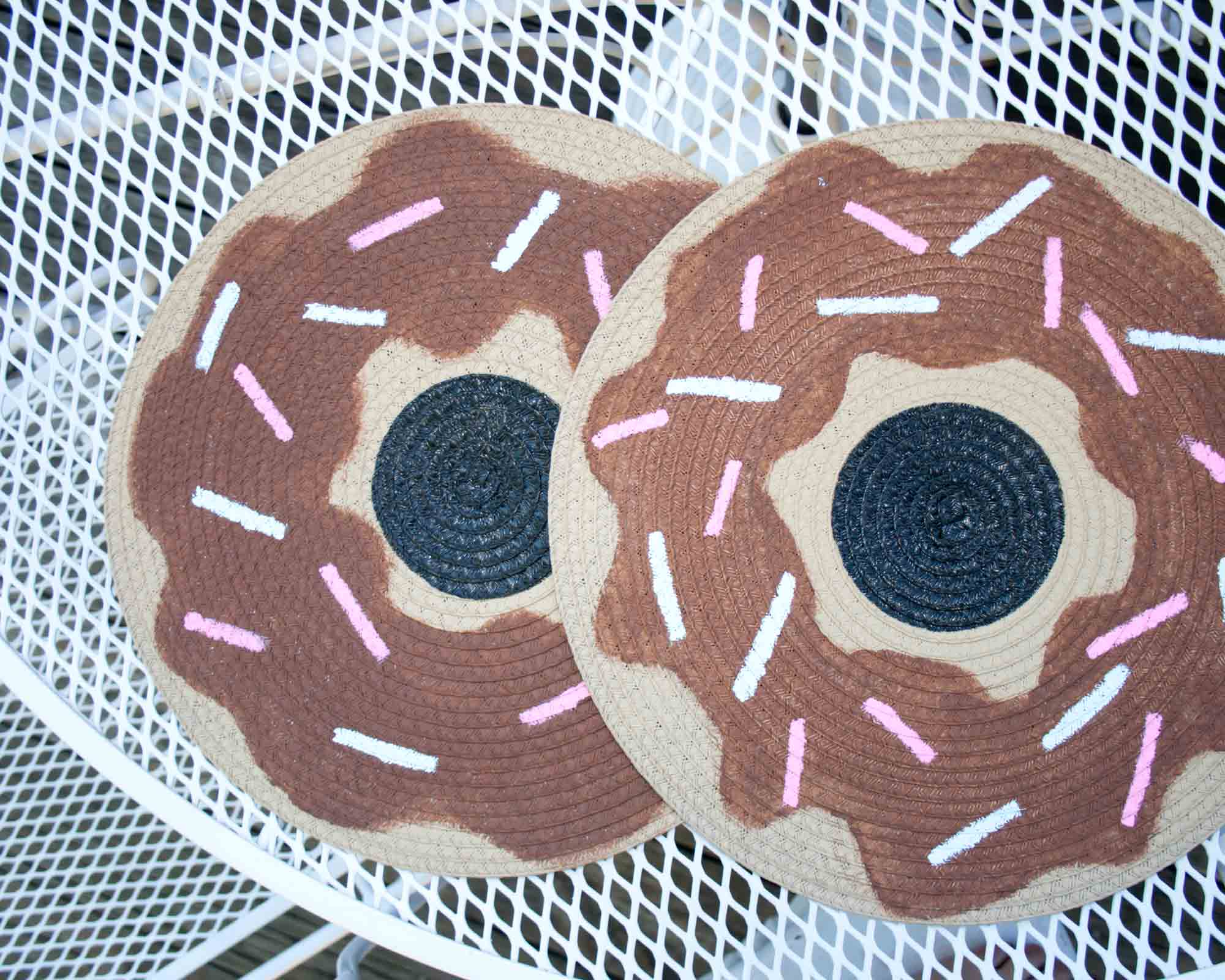 Watermelon and Donut Placemats || from myonlysunshineblog #placemats #diy #fruit #watermelon #donuts