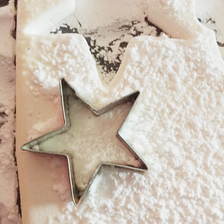 Homemade Marshmallow Recipe (click through for recipe)