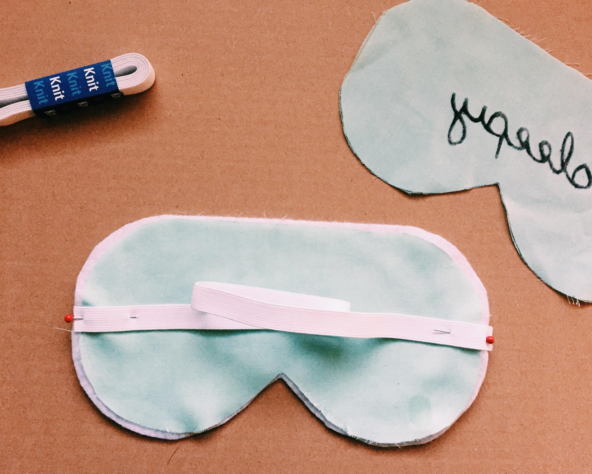 Sleepy DIY Sleep Mask (click through for tutorial)