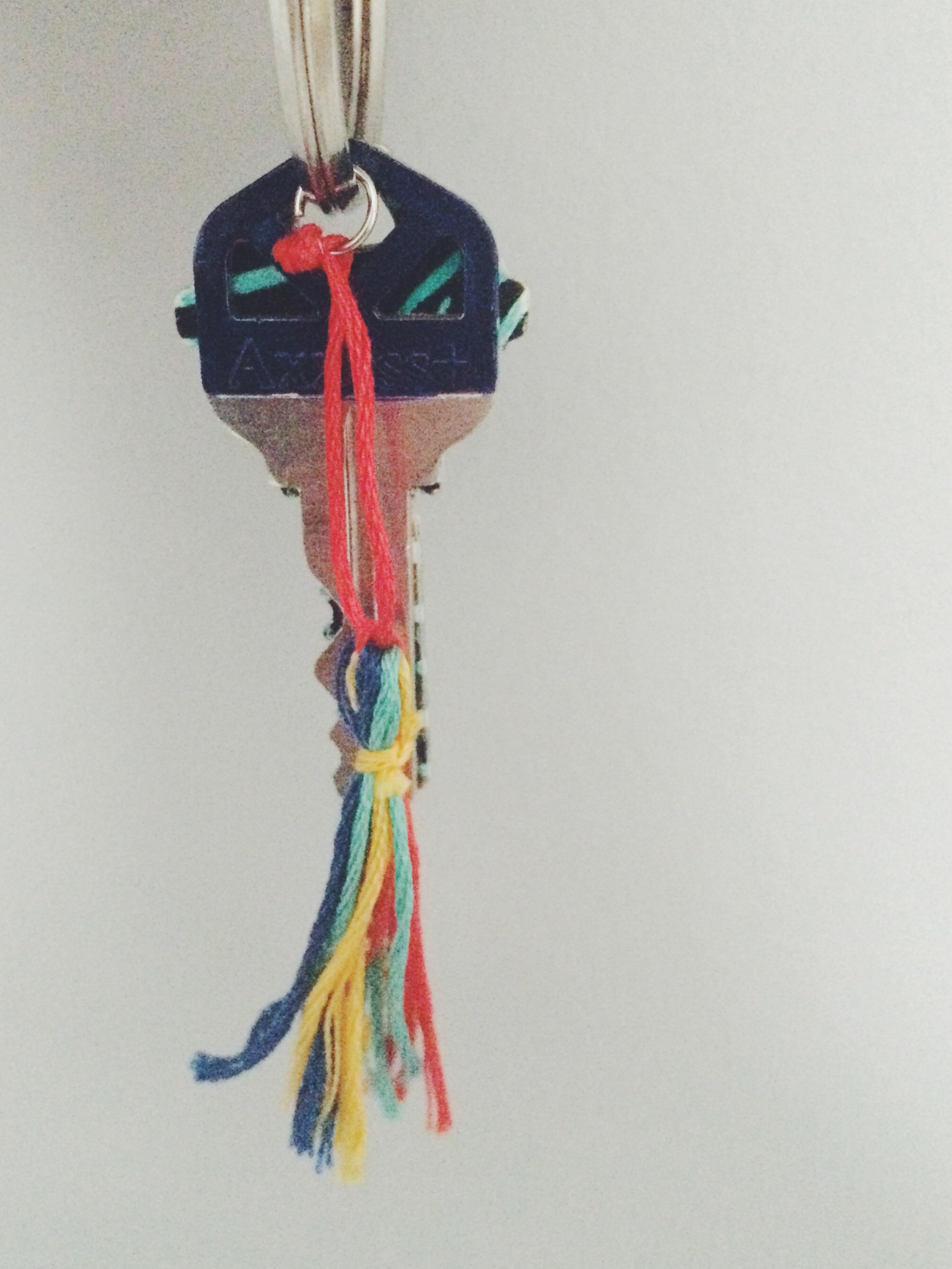 Diy Tassel Key Chain. Click through for details.