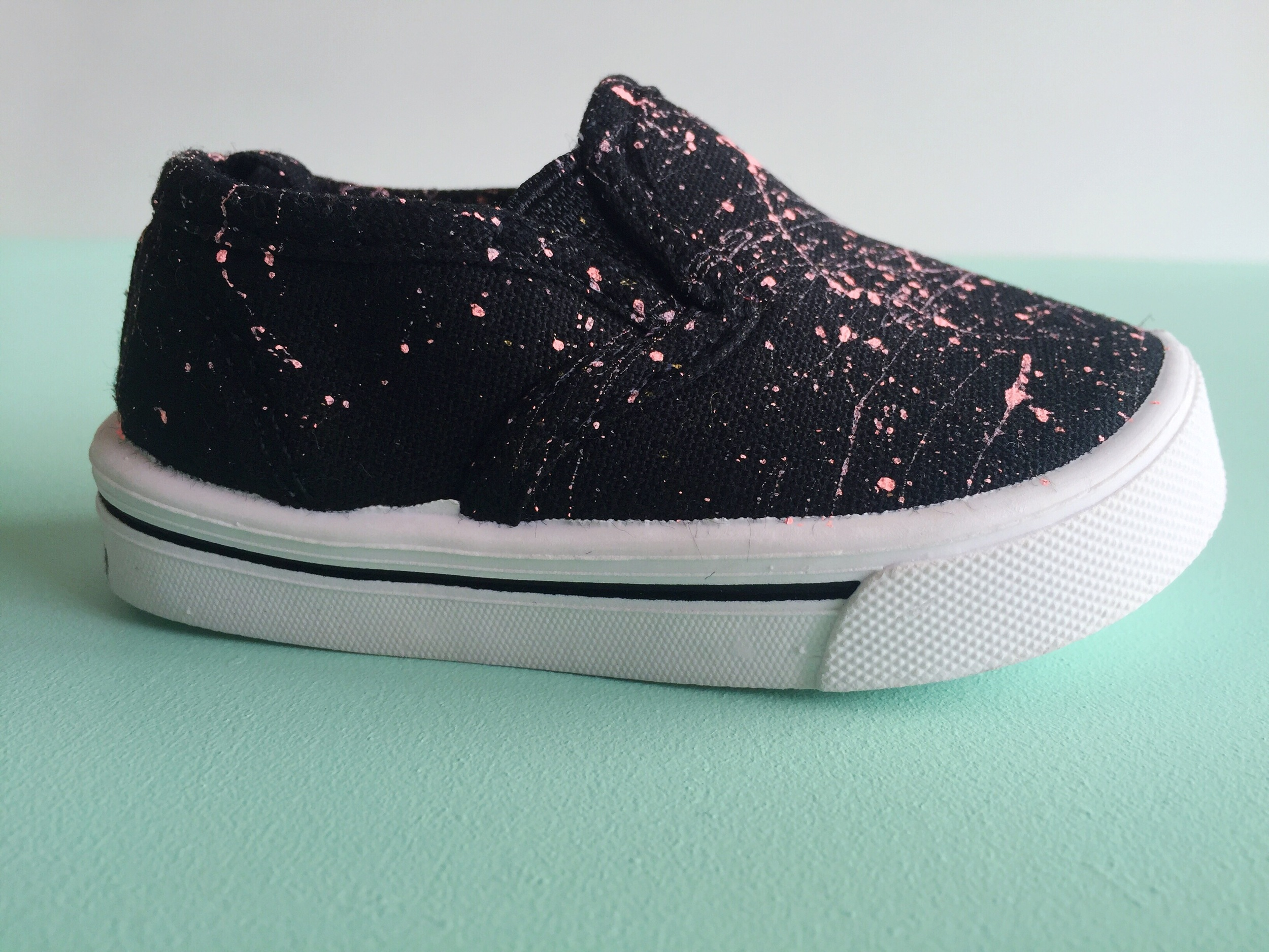 DIY mini splatter paint shoes.