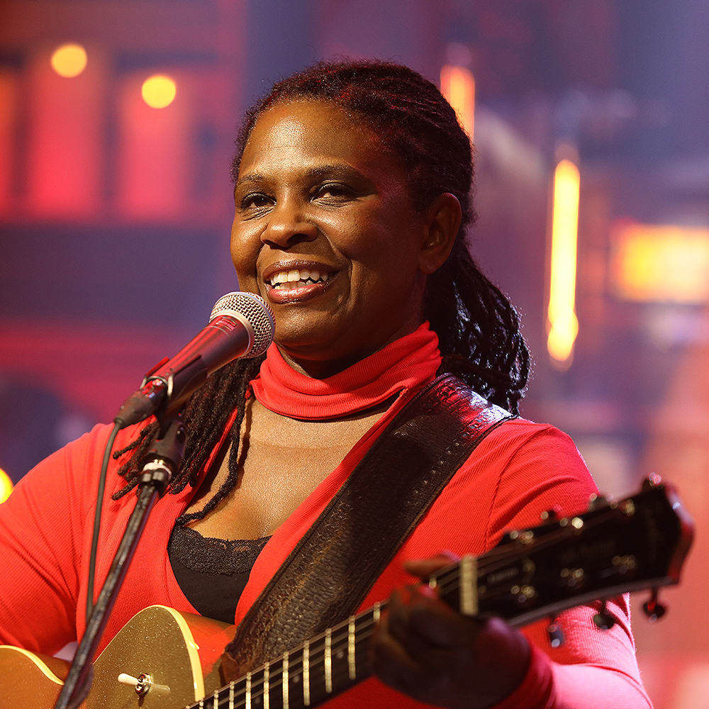 Ruthie Foster - Ruthie Cecelia Foster is an American singer-songwriter of blues and folk music. She mixes a wide palette of American song forms, from gospel and blues to jazz, folk and soul.