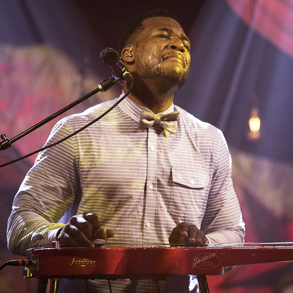 Robert Randolph - Robert Randolph and the Family Band is an American funk and soul band led by pedal steel guitarist Robert Randolph.