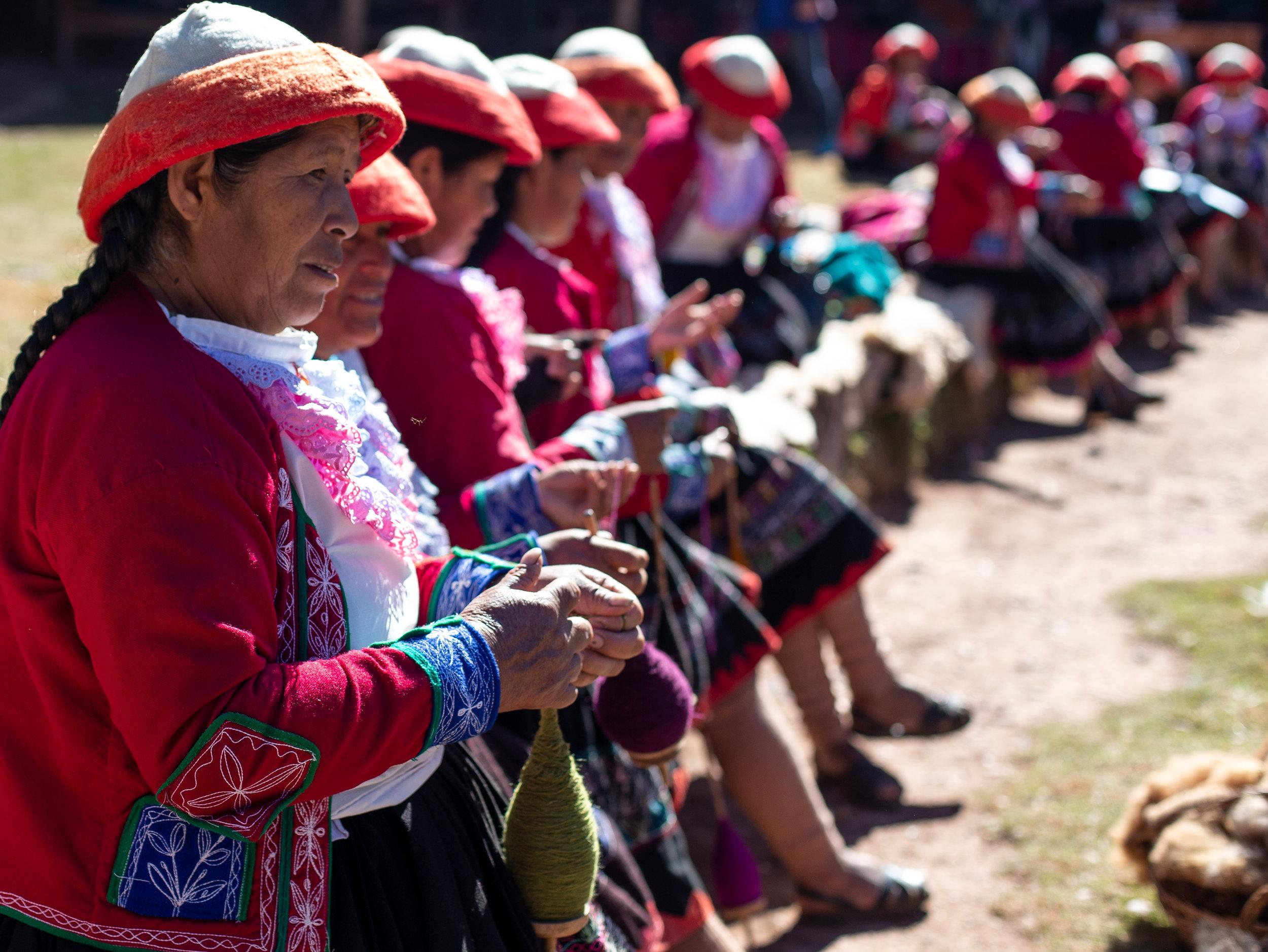 Ladies weaving - Ollantaytambo, Cusco Region