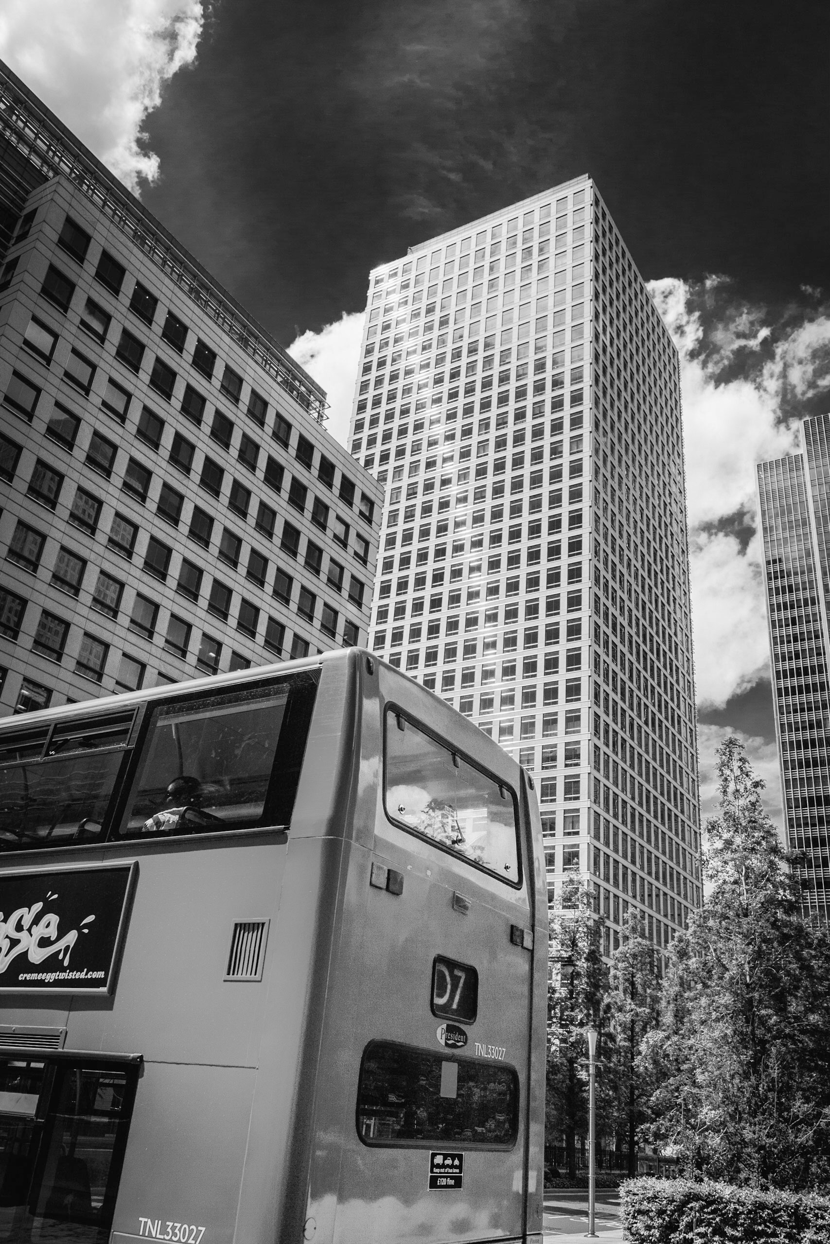 Picture of a red London Bus by photographer Rick McEvoy