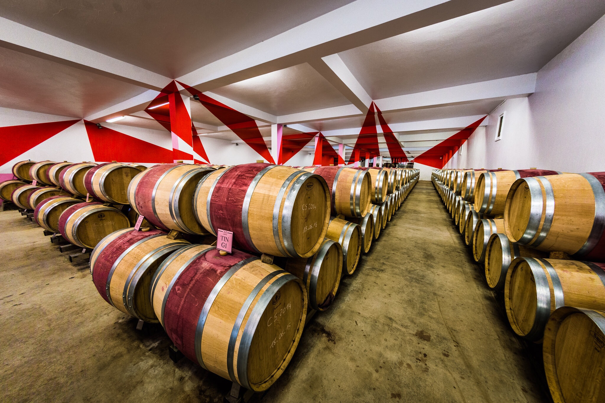 Interior photography shot of a barrel store in Bordeaux