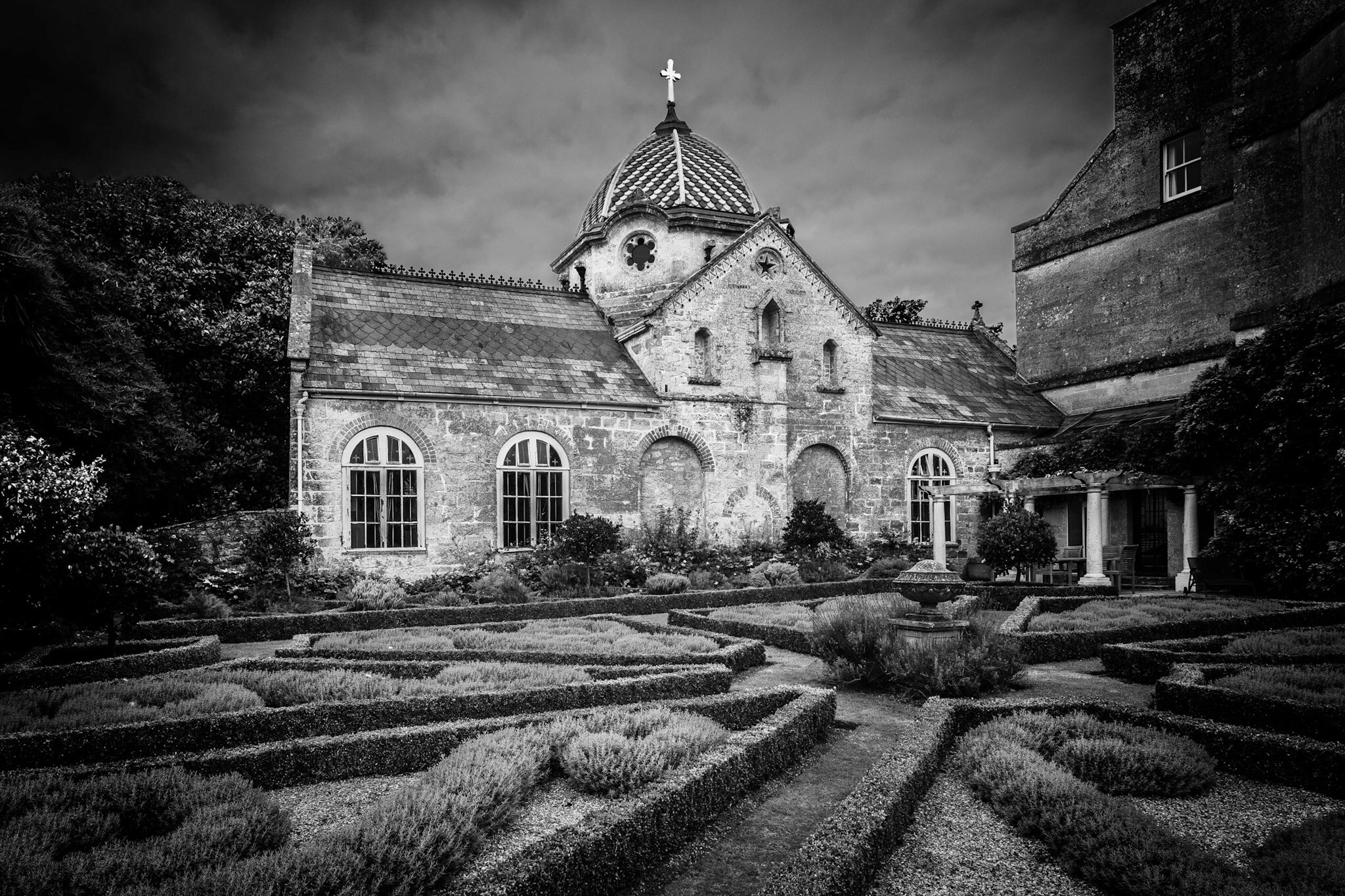 Back to one of my favourite places in West Dorset. Check out the roof then look at the next image.