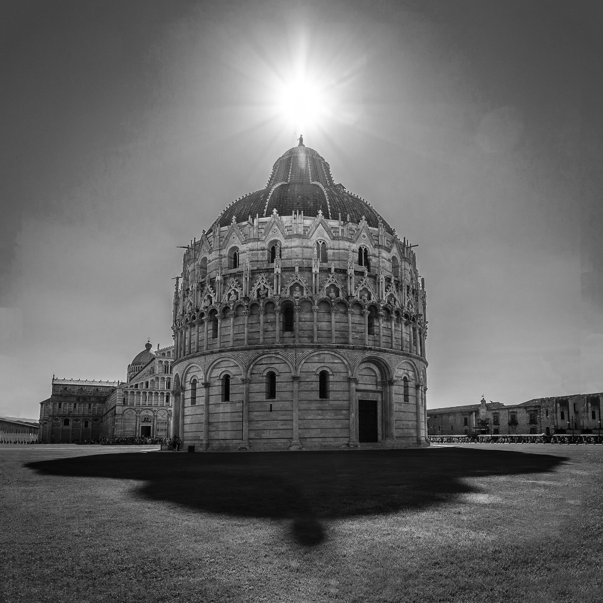 Black and white picture of the Battistero di San Giovanni In Pisa