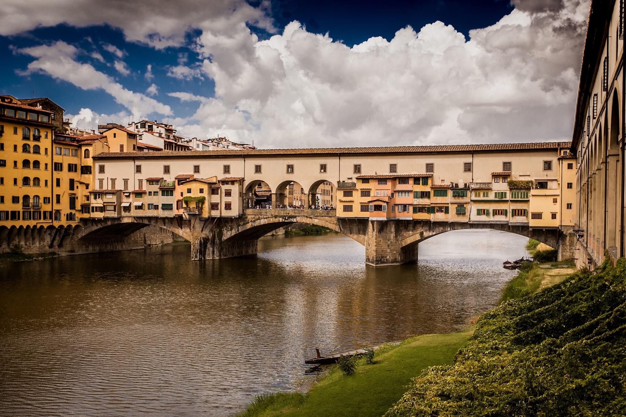 Ponte Vecchio by architectural photographer Rick McEvoy